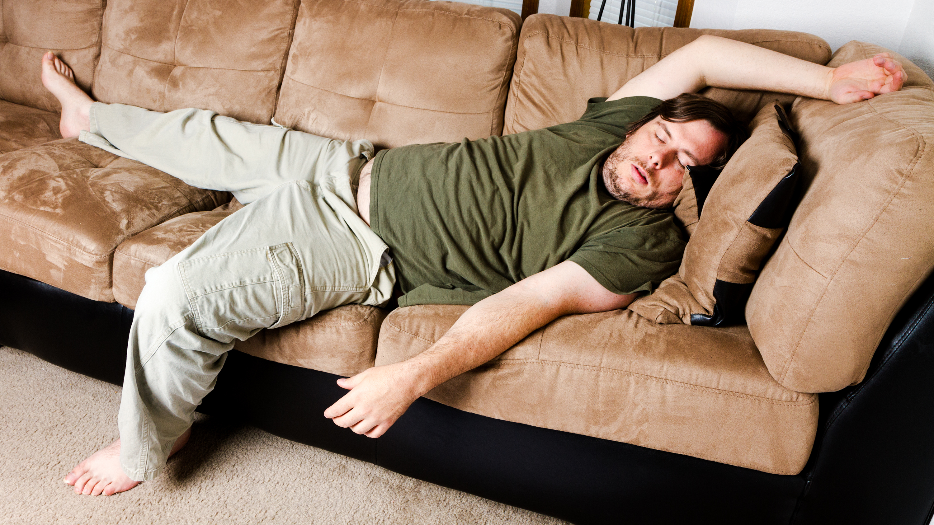 For smart people only stop being lazy the executive producer - Dormire sul divano ...